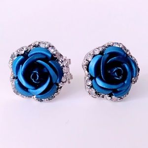 NEW! BLUE ROSE BUD/RHINESTONE LEVER BACK EARRINGS